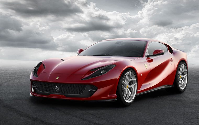 Суперкар Ferrari 812 Superfast