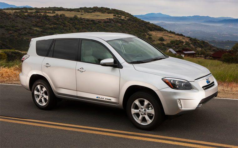 Лучшие электромобили: Toyota